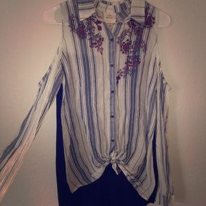 Cold shoulder high low button down